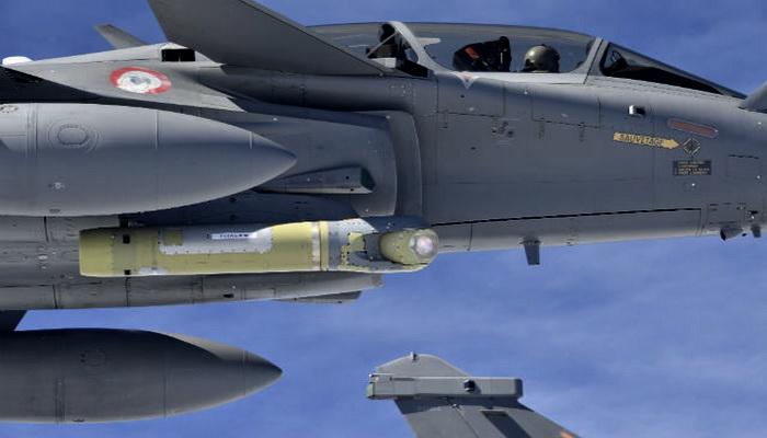 مقاتلة رافال المطورة للمعيار F3-R تكمل رحلتها الأولى بنجاح. 10000148