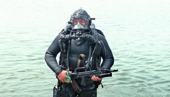 """بندقية """"ADC"""" الأوتوماتيكية """"ثنائية البيئة"""" تدخل الخدمة في الجيش الروسي."""