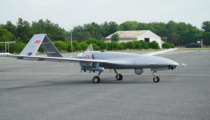 وفد أوكراني يبحث شراء طائرات بدون طيار تركية الصنع 100826