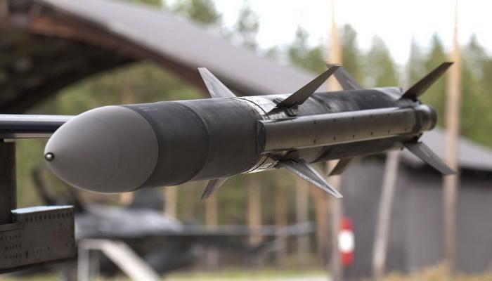 الولايات المتحدة توافق على بيع صواريخ أمرام AIM-120C-7 إلى اليابان. 100909