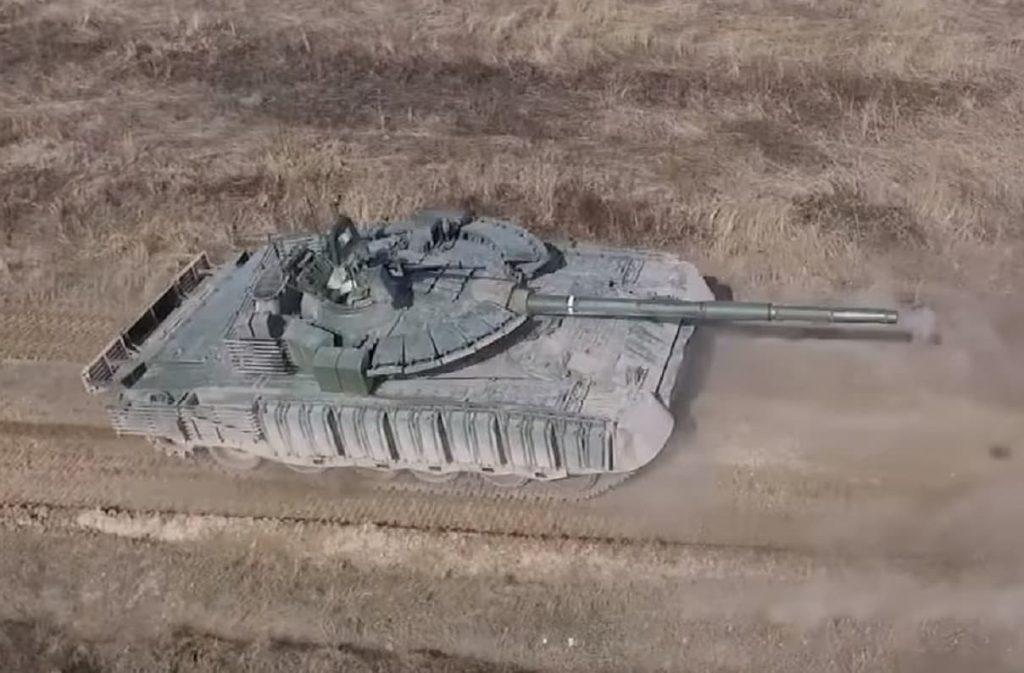 تطوير دبابات T-80 الروسية بحزم لينة من الدروع التفاعلية المتفجرة. 101117