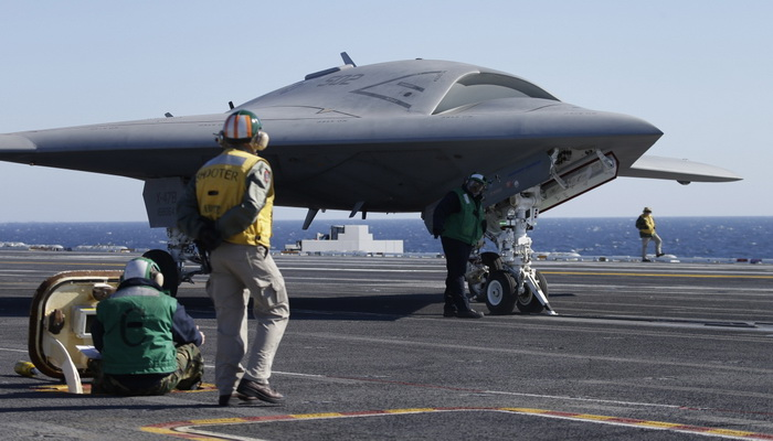 شركة Boeing تختبر طائرة التزود بالوقود بدون طيار MQ-25 200241