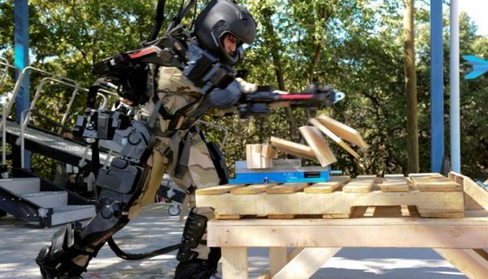 بدلة الروبوت XOS2 القتالية الجديدة 2035