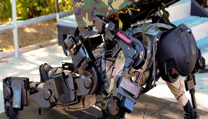 بدلة الروبوت XOS2 القتالية الجديدة 2036