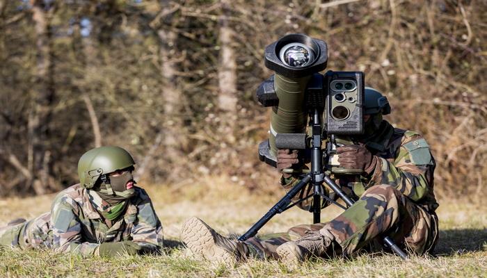 وكالة المشتريات الدفاعية الفرنسية تسلم الجيش الفرنسي الدفعة الأولى من نظام صواريخ MMP الجديد 0000235