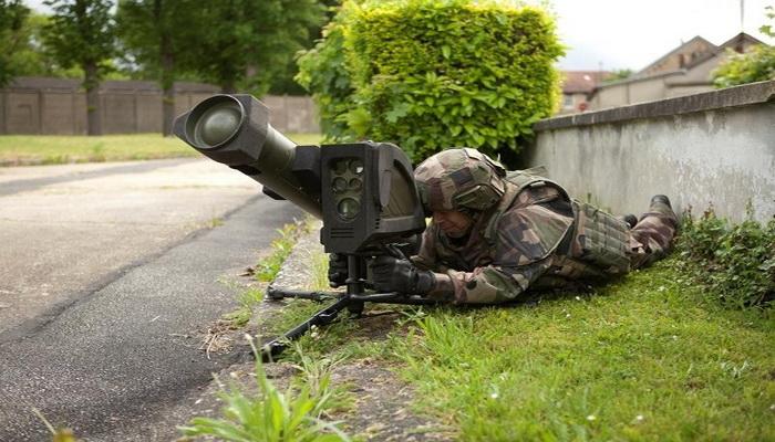 وكالة المشتريات الدفاعية الفرنسية تسلم الجيش الفرنسي الدفعة الأولى من نظام صواريخ MMP الجديد 0000238