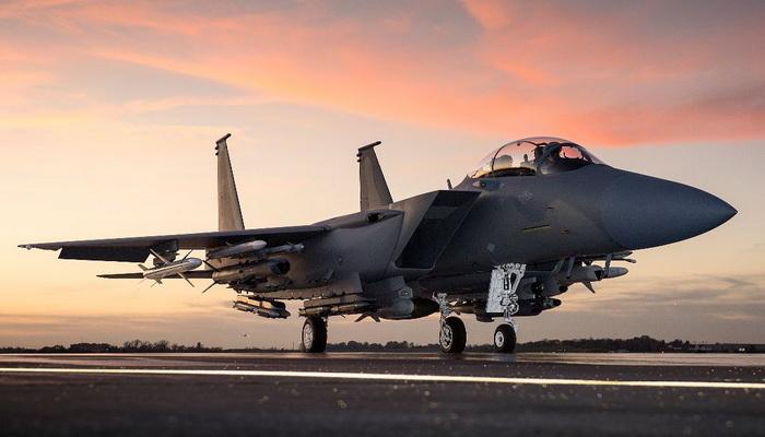 كندا تلغي صفقة طائرات بوينغ المقاتلة طراز F/A-18E/F Super Hornet  005