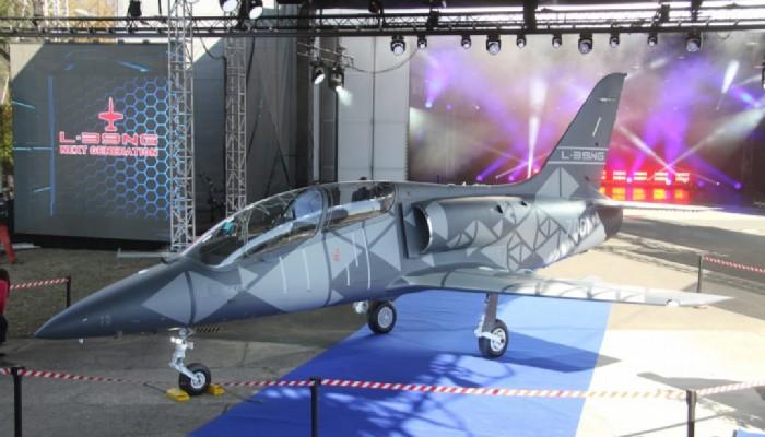 شركة Aero Vodochody تكشف عن أحدث طراز طائرة تدريب جديدة من نوع L-39NG 100703