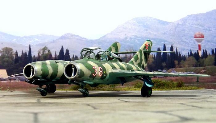 المقاتلة التوأم البلغارية UMiG-15MT ... تطوير جريء وتاريخي. 101772
